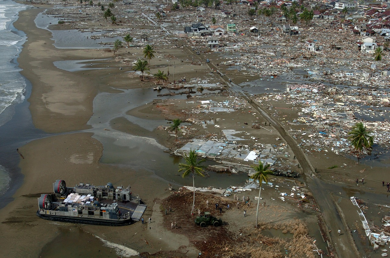 the events and effects of the deadly december 2004 tsunami