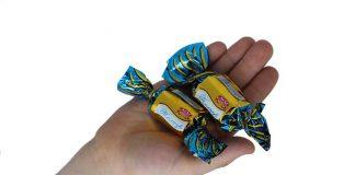 Две конфеты
